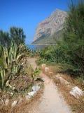 Gå till och med Punta Barcarello Royaltyfria Bilder