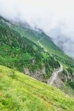 Gå till solvägen i glaciärnationalpark, montana Royaltyfria Bilder