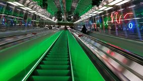 Gå till tunnelbanan i helsinki Royaltyfri Fotografi