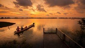 Gå tillbaka hem i lagunen Arkivfoton
