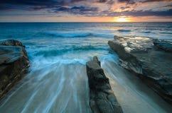 Gå tillbaka tidvatten i Jolla-horisontalLa Arkivbilder