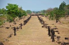 Gångbana av vaten Phou eller Wat Phu på Pakse i Champasak, Laos Royaltyfri Bild