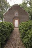 Gångbana för röd tegelsten till den Westover församlingen, Royaltyfria Bilder