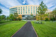 Gångbana och Tata Hall, på den Harvard Business skolan, i Boston, mor Arkivfoto