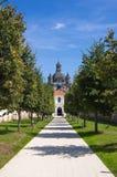 Gångbana till den Pazhayslissky kloster, Kaunas Royaltyfri Foto