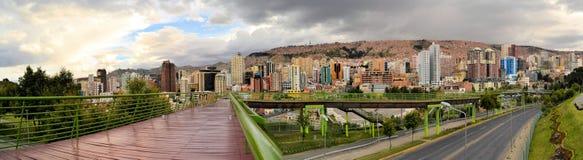 Gångbana Urbano Central Park i La Paz Royaltyfria Bilder