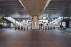 Gångtunnel/tunnelbana/underjordisk station Amsterdam Noord, Nederland royaltyfri bild
