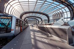 Gångtunnel/tunnelbana/underjordisk station Amsterdam Noord, Nederland arkivfoton