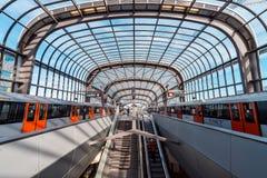 Gångtunnel/tunnelbana/underjordisk station Amsterdam Noord, Nederland royaltyfri foto