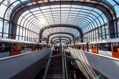 Gångtunnel/tunnelbana/underjordisk station Amsterdam Noord, Nederland fotografering för bildbyråer