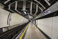 Gångtunnelstation i London, England, Förenade kungariket Royaltyfria Foton