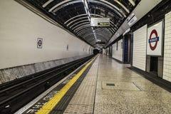 Gångtunnelstation i London, England, Förenade kungariket Arkivfoton