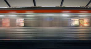 gångtunneltrafik fotografering för bildbyråer