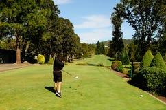 Går golfspelet royaltyfria bilder