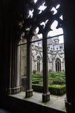 Gård av katolskt abbay, Brugge, Belgien Royaltyfri Bild