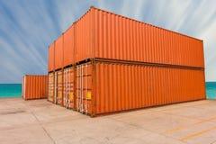 Gård av sändnings för lastbehållare Fotografering för Bildbyråer
