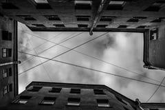 Gård-brunnar i St Petersburg arkivfoton