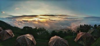 Gård för att campa på Doi Ang Khang Arkivbilder