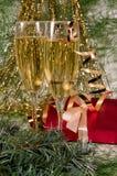 gåva för champagnejulgarnering fotografering för bildbyråer