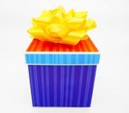 Gåva för lycklig födelsedag Arkivbilder