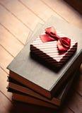 Gåva och böcker Royaltyfri Fotografi
