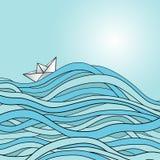 Gåvakortet med det pappers- skeppet på vågorna Arkivbilder