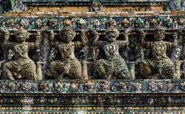 Géant, statue de titan chez Wat Arun en Thaïlande. Photos stock