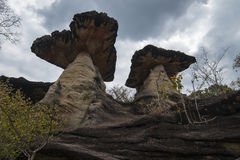 Géants monolithiques, le soleil de PA d'interdiction dans Ubon Ratchathani Photo libre de droits