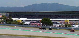 Généraliste de Moto chez Catalunya, Espagne 2019 La fin de Marques et de Rossi de pratiquent image libre de droits
