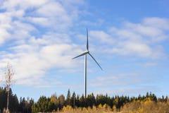 Générateur électrique de tour de moulin à vent Images stock