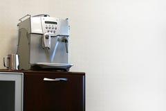 Générateur de café moderne image libre de droits