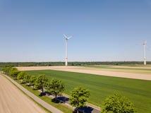 Générateur de turbine de vent dans le domaine Photographie stock libre de droits