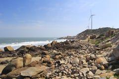 Générateur de vent au bord de la mer image libre de droits