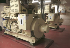 Générateur industriel électrique à l'intérieur de centrale Images libres de droits