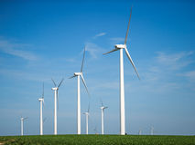 Générateurs de vent, moulins à vent, l'électricité Photo libre de droits