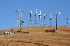 Générateurs et site éoliens de cellules photographie stock