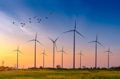 Génération écologique verte d'énergie de puissance d'énergie de turbine de vent Ciel Hua Sai District Nakhon Si Thamma de champ d photographie stock libre de droits