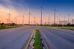 Génération écologique verte d'énergie de puissance d'énergie de turbine de vent Ciel Hua Sai District Nakhon Si Thamma de champ d images stock