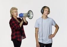 Génération Gap Adolescent masculin ne parlant pas après un argument images stock