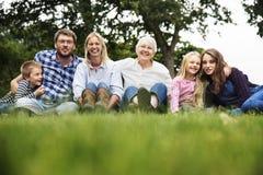 Générations de famille Parenting le concept de relaxation d'unité Photo libre de droits
