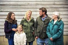 Générations de famille Parenting le concept de relaxation d'unité Images stock