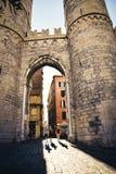 Génova, Italia - 14 de agosto de 2017: Ciudad de Génova, Porta Soprana Imagenes de archivo