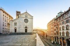 Génova, Italia en salida del sol Santo Stephen Church Imagen de archivo libre de regalías