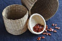 Gérmenes de la sandía en pequeña cesta Fotografía de archivo