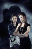 Gêmeos fêmeas místicos Fotografia de Stock