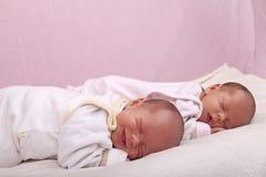 Gêmeos idênticos Fotografia de Stock Royalty Free