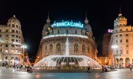 GÊNES, ITALIE - 25 JUILLET 2017 : Vue de nuit de Piazza De Ferrari, la place principale de Gênes Images stock