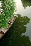 Góndola de madera en el río Imagen de archivo