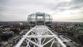 Góndola del ojo de Londres - horizonte de Londres Foto de archivo