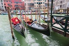 Góndola en los canales de Venecia fotografía de archivo libre de regalías